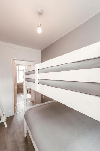 Modern Apartment Апартаменты - Двухуровневые