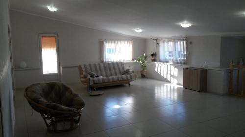 . Guest House on Larkina 18