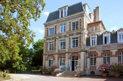 The Originals Boutique, Hôtel Maison de l'Abbaye (Relais du Silence) - Hôtel - Antony