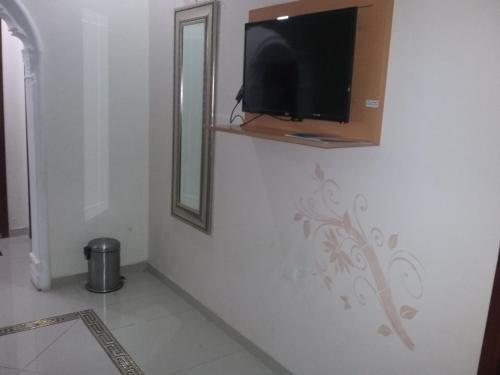 للعوائل فقطQandeel Al Raha Furnished Units - For families only Main image 1