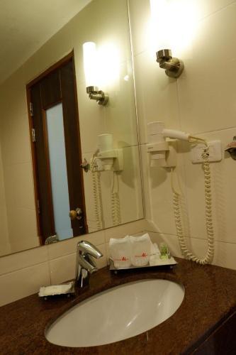Dynasty Inn photo 22