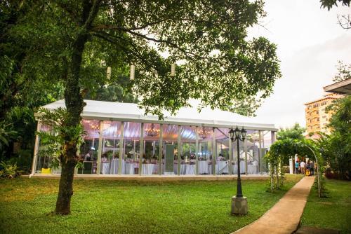 A-HOTEL com - Montebello Villa Hotel, Hotel, Cebu City