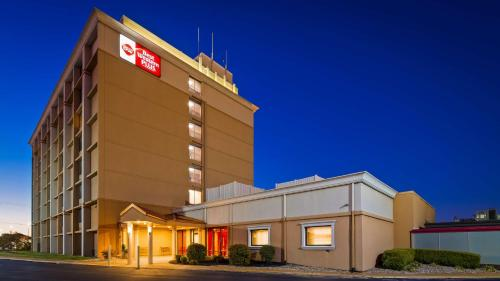 Best Western Plus The Charles Hotel - Saint Charles, MO MO 63301