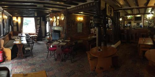 Sorrel Horse Inn - Photo 3 of 17