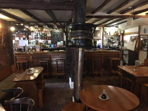 Sorrel Horse Inn - Photo 4 of 17