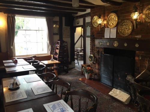 Sorrel Horse Inn - Photo 7 of 17