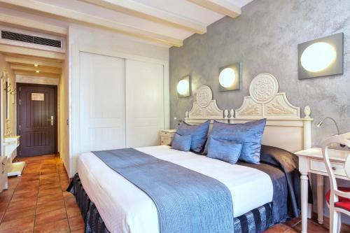 Double or Twin Room with Spa Access Hotel & Spa Cala del Pi 12