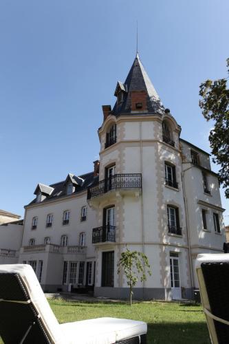 . Château Les 4 Saisons