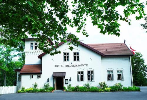 . Hotel Frederiksminde