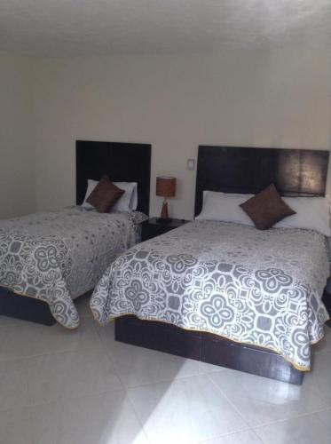 . HOTEL 10 DE ABRIL