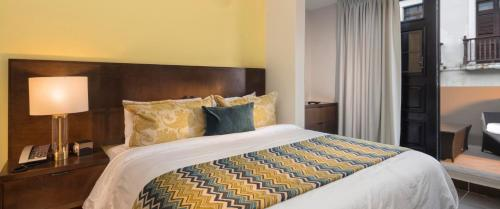 Decanter Hotel room photos