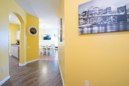 2br New Luxury Condo 3miles To Disney - Kissimmee, FL 34747