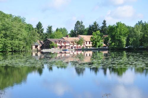 . Hotel - Restaurant Le Moulin de Villiers