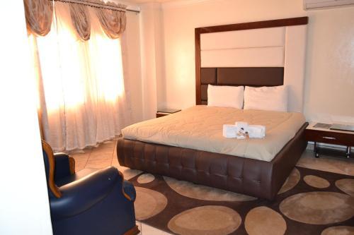. Avkhom Hotel