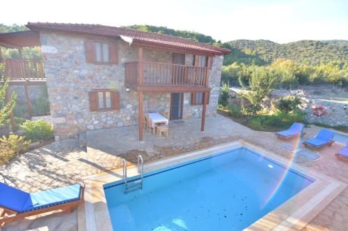 Fethiye New Age Villa Stone With Private Pool