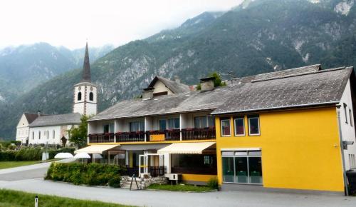 Gailtal Inn - Hotel - Förolach