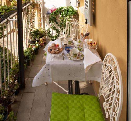 Piazza Francesco Baracca 26, 48121 Ravenna, Italy.