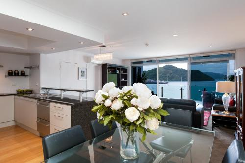 . Picton Waterfront Penthouse