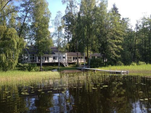 Luxury Lake Villa Vaapukka