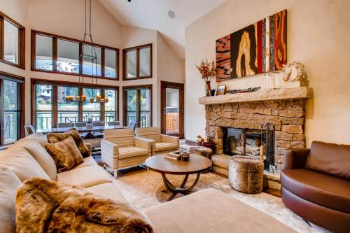 Hyatt Condominium 05 - Beaver Creek, CO 81620