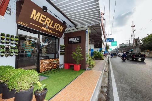 Merlion Hostel Surat Thani