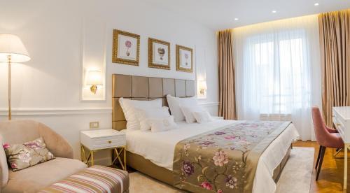 Ann Luxury Rooms - image 4