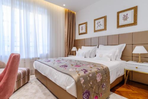 Ann Luxury Rooms - image 5