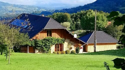 Accommodation in Montcel