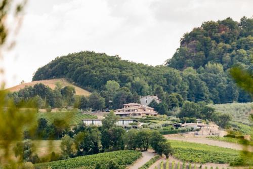 Località Rocca Ripesena, 62, 05010 Terni TR, Italy.