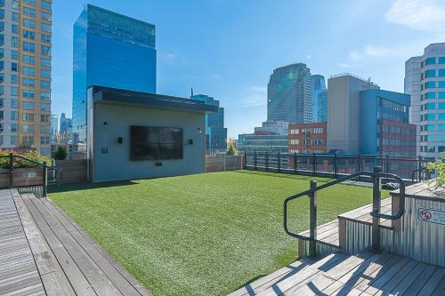 Skyline Art Lofts At Jersey City - Jersey City, NJ 07302