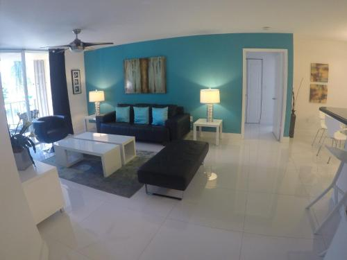 The Turquoise Apartment At The Yacht Club Of Aventura - Aventura, FL 33180