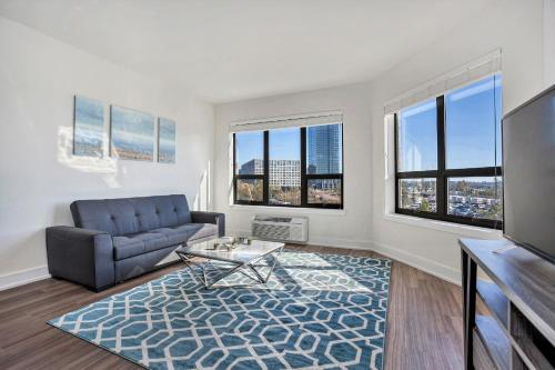 Luxurious 2br/2ba!! 1 Stop From Nyc!! Sleeps 8!! - Jersey City, NJ 07302