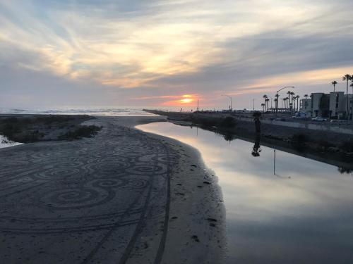 Days Inn by Wyndham Oceanside - Oceanside, CA CA 92054