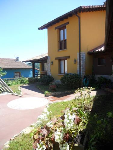 . Apartamentos La Calvera