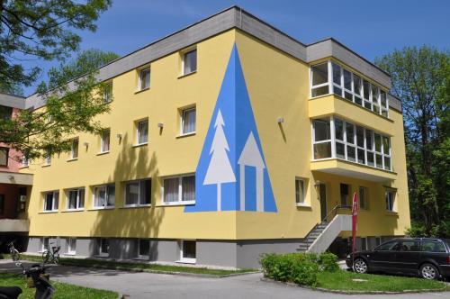 Eduard-Heinrich-Haus, Hostel, Pension in Salzburg