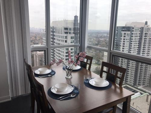 Kashaneh at North York center
