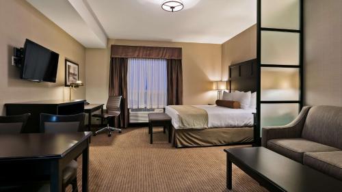 Best Western Plus Okotoks Inn & Suites - Okotoks, AB T1S 0N3