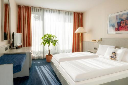 Dorint Hotel & Sportresort Arnsberg/Sauerland room photos