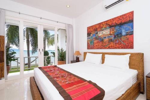 3 Bedroom Beach Front Villa - on Beautiful Bangrak Beach 3 Bedroom Beach Front Villa - on Beautiful Bangrak Beach