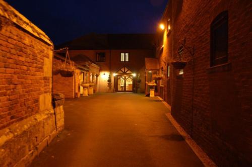 Ellesmere Road, Broad Oak, Shrewsbury, SY4 3AF, United Kingdom.