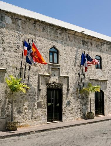 Cuidad Colonial, Calle Las Damas, Santo Domingo 10210, Dominican Republic.