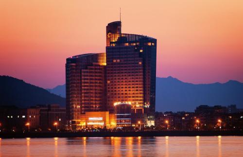 . Fuyang International Trade Center Hotel