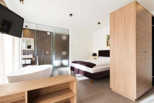 Apartments Sissi & Franz Meran 2000