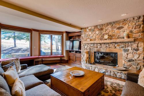 Mccoy Peak Lodge 301 - Beaver Creek, CO 81620