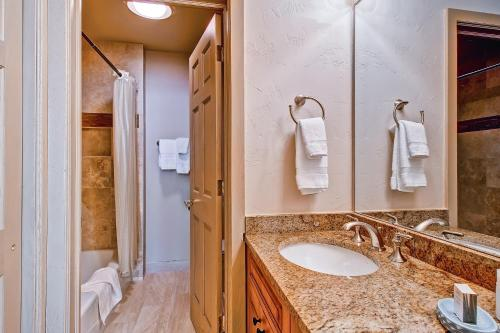 Highlands Lodge 402 - Beaver Creek, CO 81620