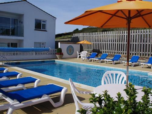 1 Europa Court, Mawgan Porth, Cornwall