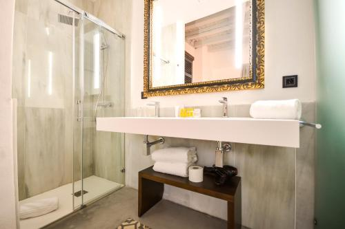Standard Double or Twin Room Legado Alcazar 49
