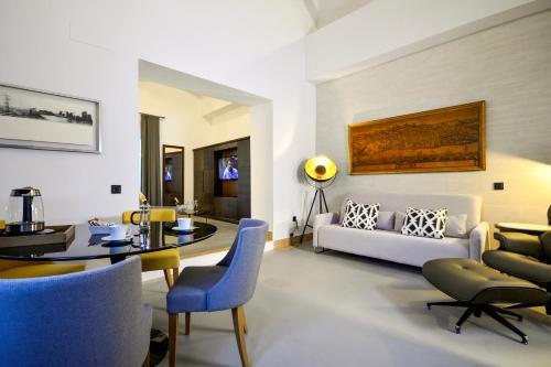 Junior Suite with Terrace Legado Alcazar 41