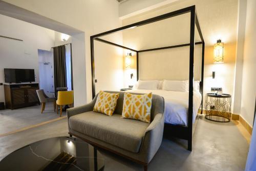 Junior Suite with Terrace Legado Alcazar 52