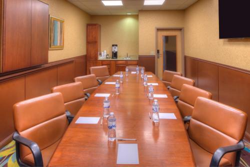 Hampton Inn & Suites Ontario - Ontario, CA CA 91764